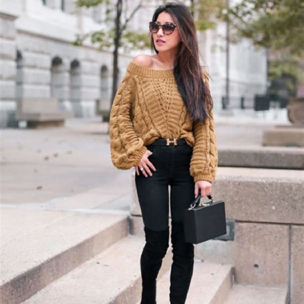 Adorable Sweater Style Ideas For Your Fall Season 14