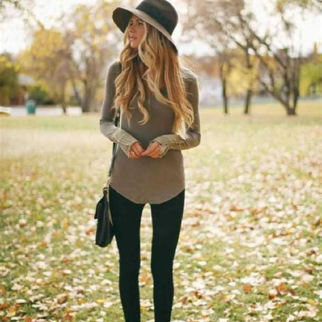 Adorable Sweater Style Ideas For Your Fall Season 21