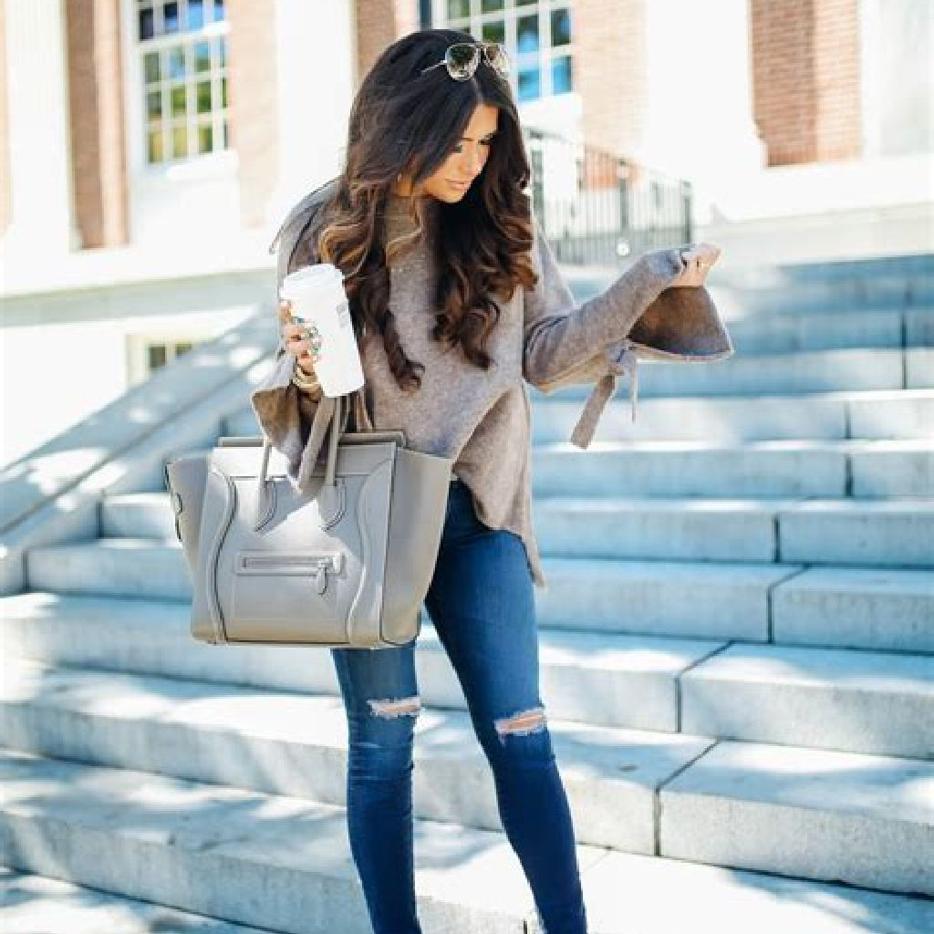Adorable Sweater Style Ideas For Your Fall Season 23