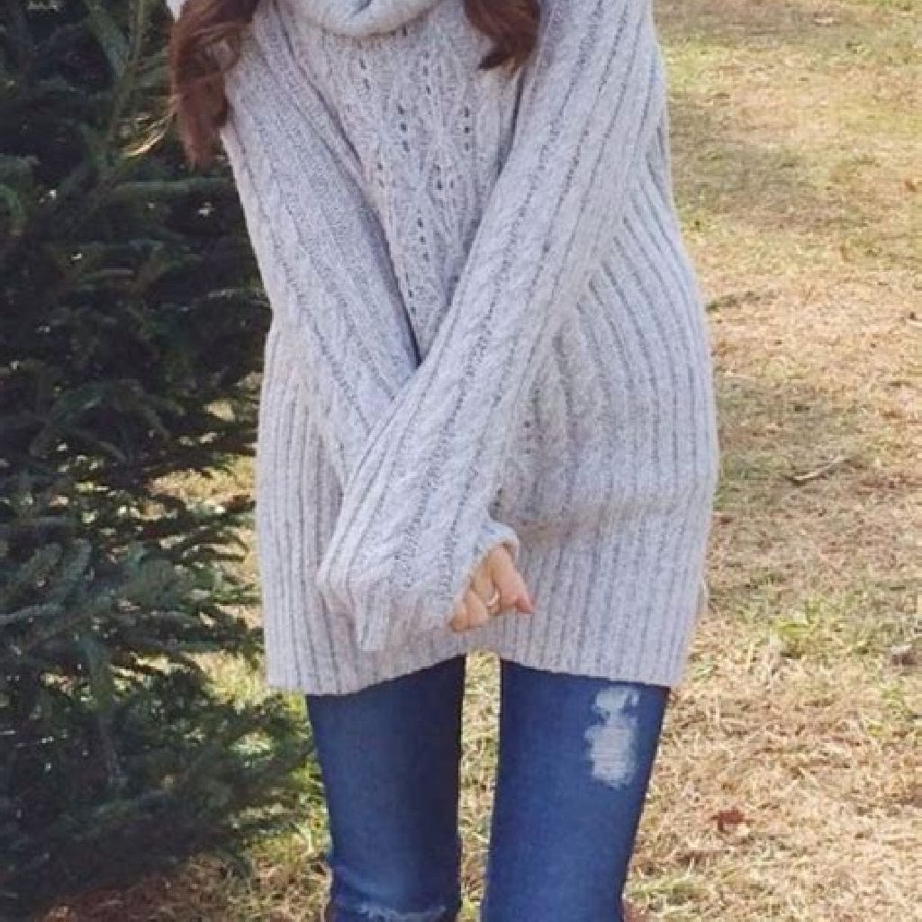Adorable Sweater Style Ideas For Your Fall Season 25