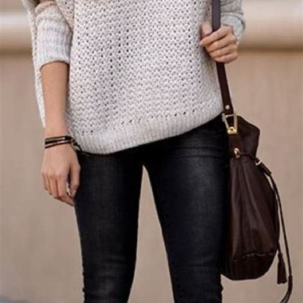 Chic Sweater Combination Ideas Suitable For Fall And Winter 02