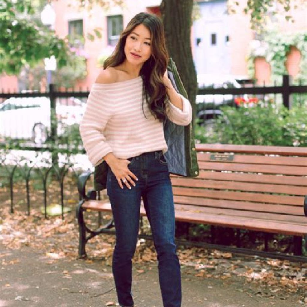 Chic Sweater Combination Ideas Suitable For Fall And Winter 19