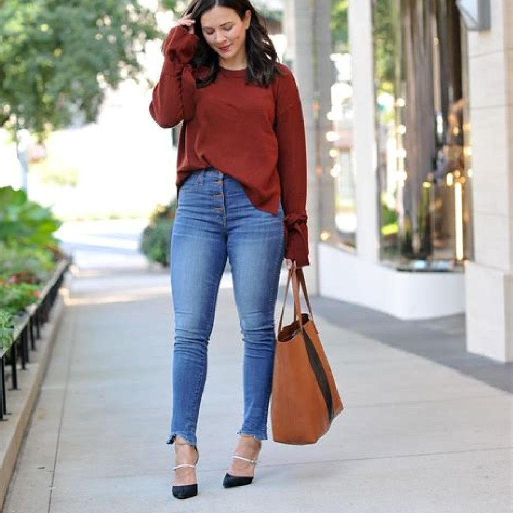 Chic Sweater Combination Ideas Suitable For Fall And Winter 27