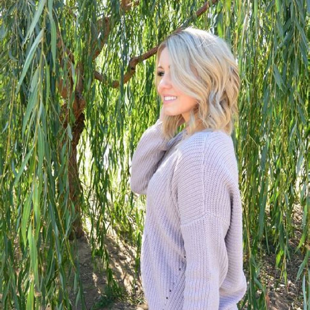 Chic Sweater Combination Ideas Suitable For Fall And Winter 31