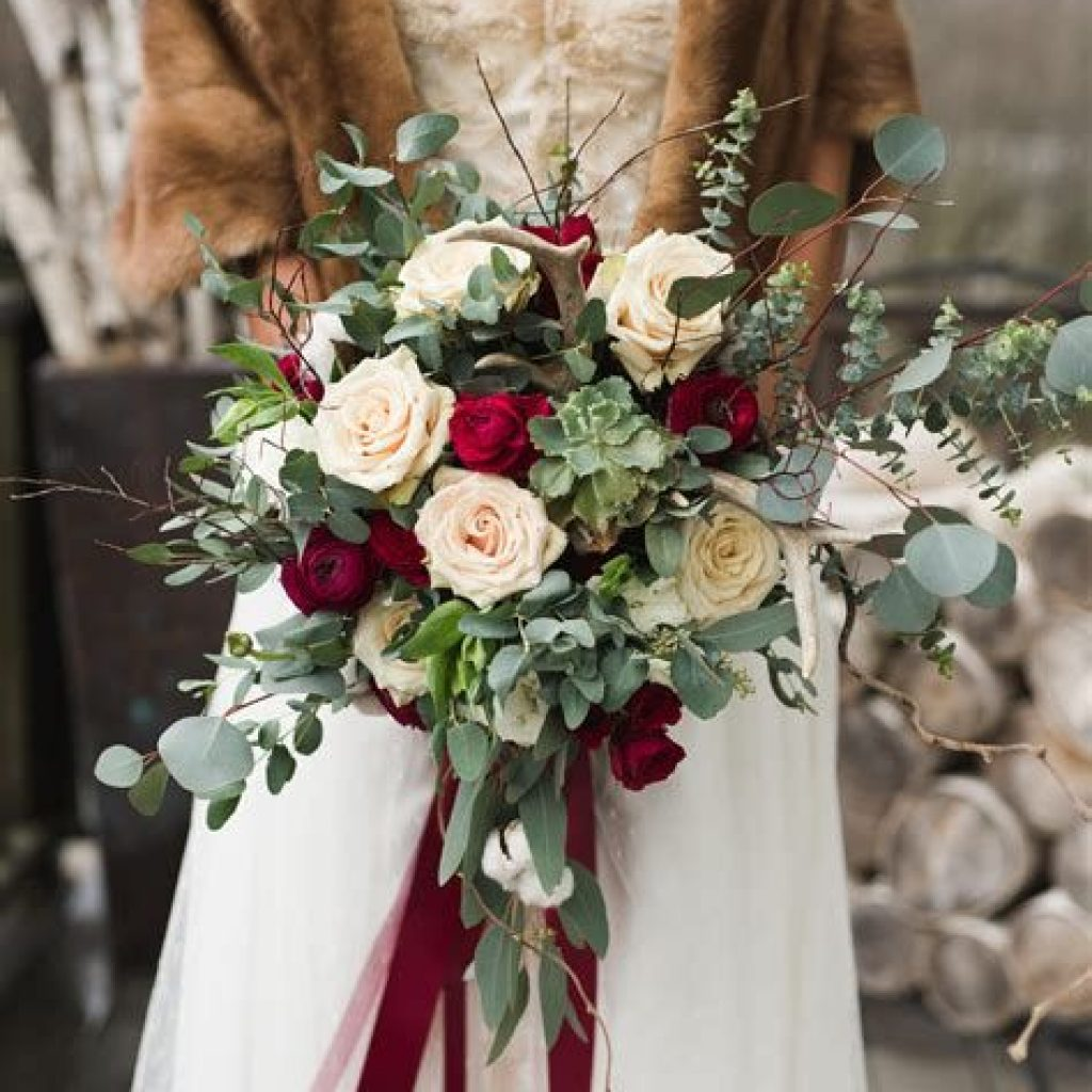 Romantic Rustic Wedding Decor Ideas 31