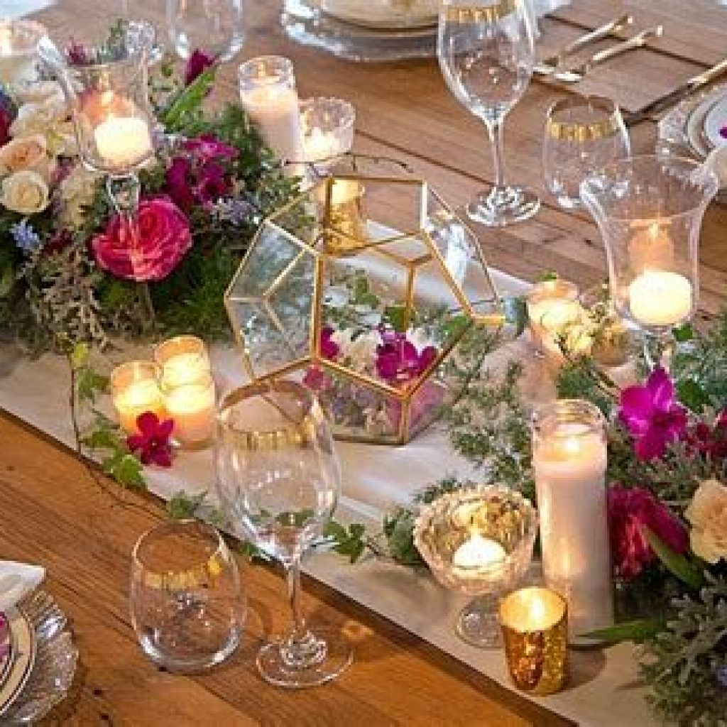 Romantic Rustic Wedding Decor Ideas 36