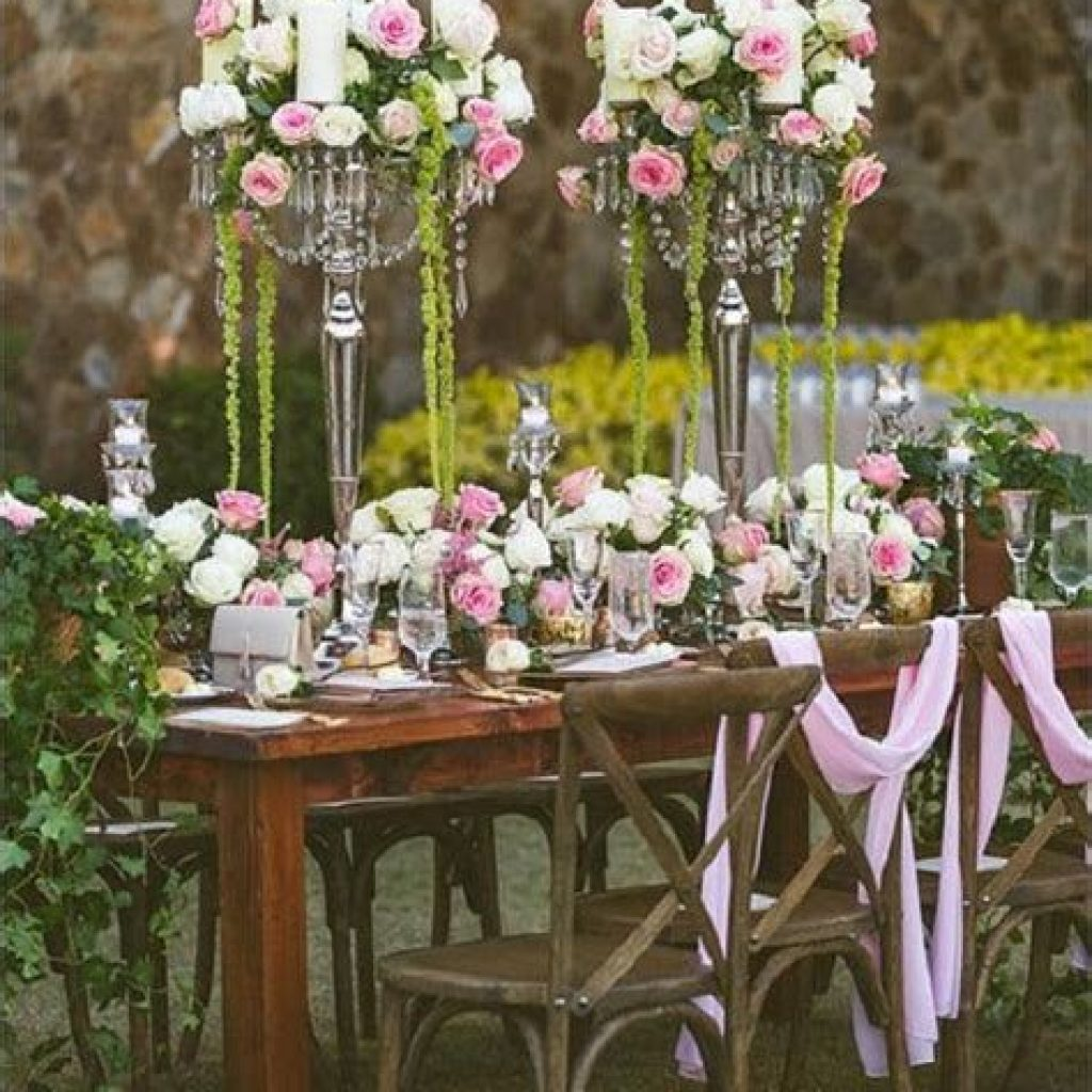 Romantic Rustic Wedding Decor Ideas 37