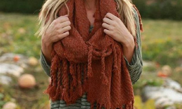 Stunning Fall Outfits Ideas With Scarves 21