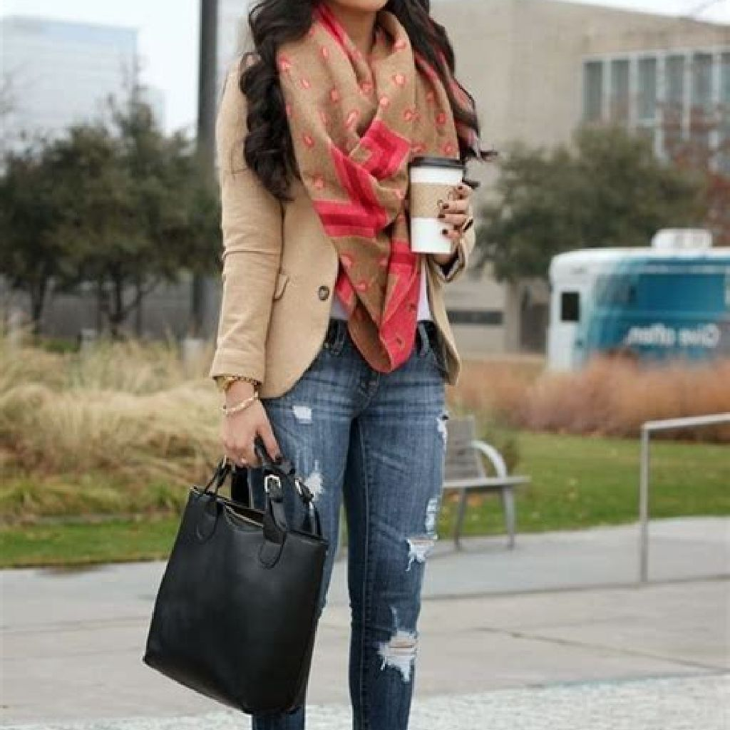 Stunning Fall Street Style Outfits Ideas For Women To Upgrade Your Look 11