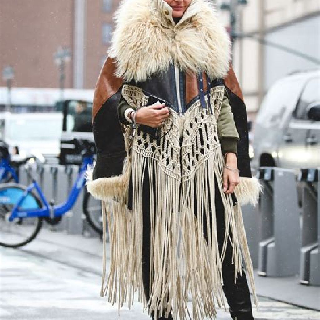 Stunning Fall Street Style Outfits Ideas For Women To Upgrade Your Look 19