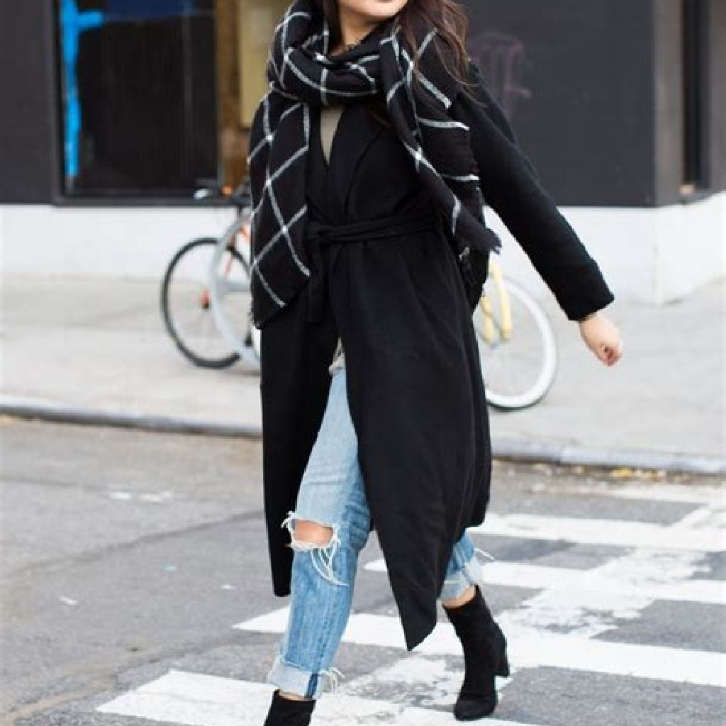 Stunning Fall Street Style Outfits Ideas For Women To Upgrade Your Look 32