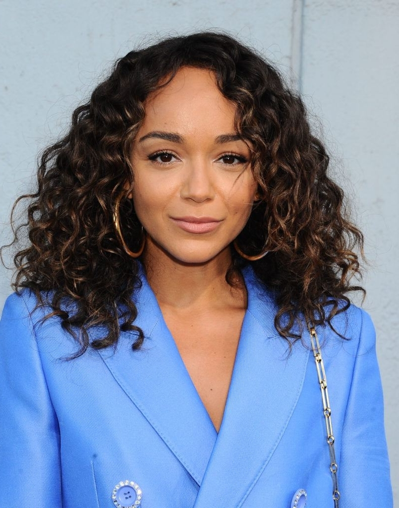 15 Mane Changing Hairstyles For Fine, Curly Hair You Have To See Medium Thin Curly Hairstyles