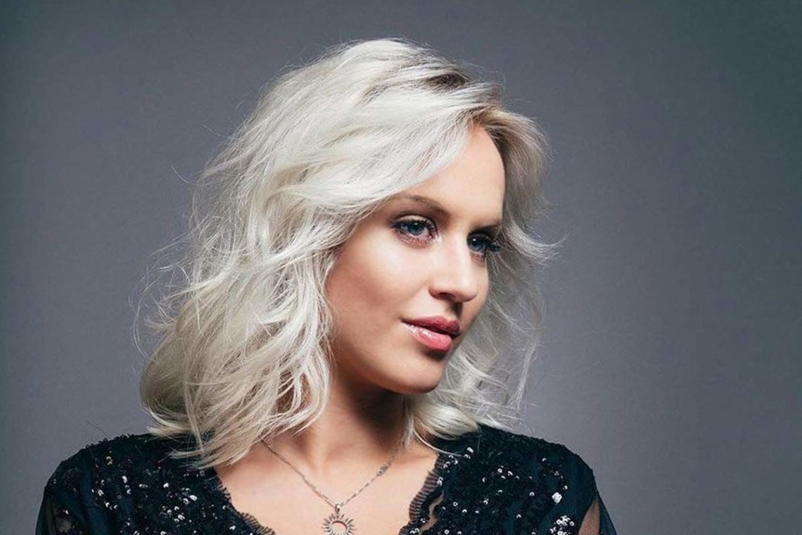 150 Medium Length Hairstyles Ideal For Thick Hair Medium Length Blonde Hairstyles For Over 50