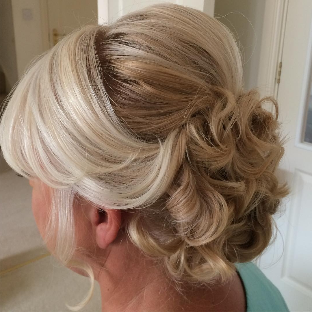 20 Luxury Updos For Medium Length Hair Mother Of The Groom 20+ Cute Mother Of The Bride Wedding Hairstyles For Medium Length Hair