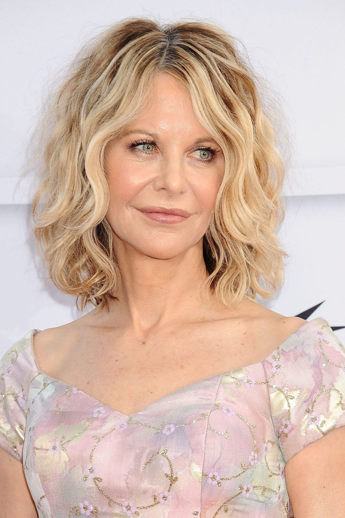 50 Best Hairstyles For Women Over 50 Celebrity Haircuts 30+ Awesome Medium Length Hairstyles For Over 50S
