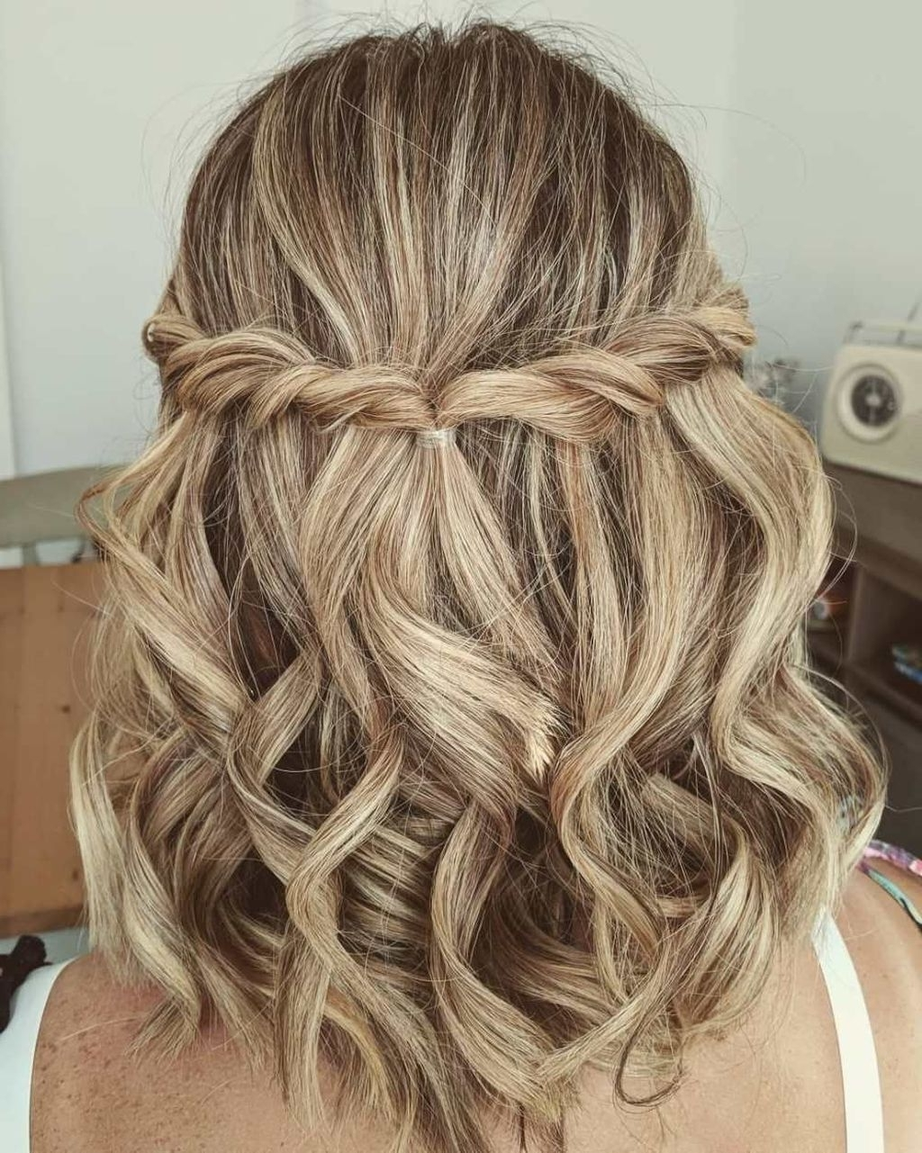 50 Newest Short Formal Hairstyles Ideas For Women | Updos Medium Length Prom Hairstyles