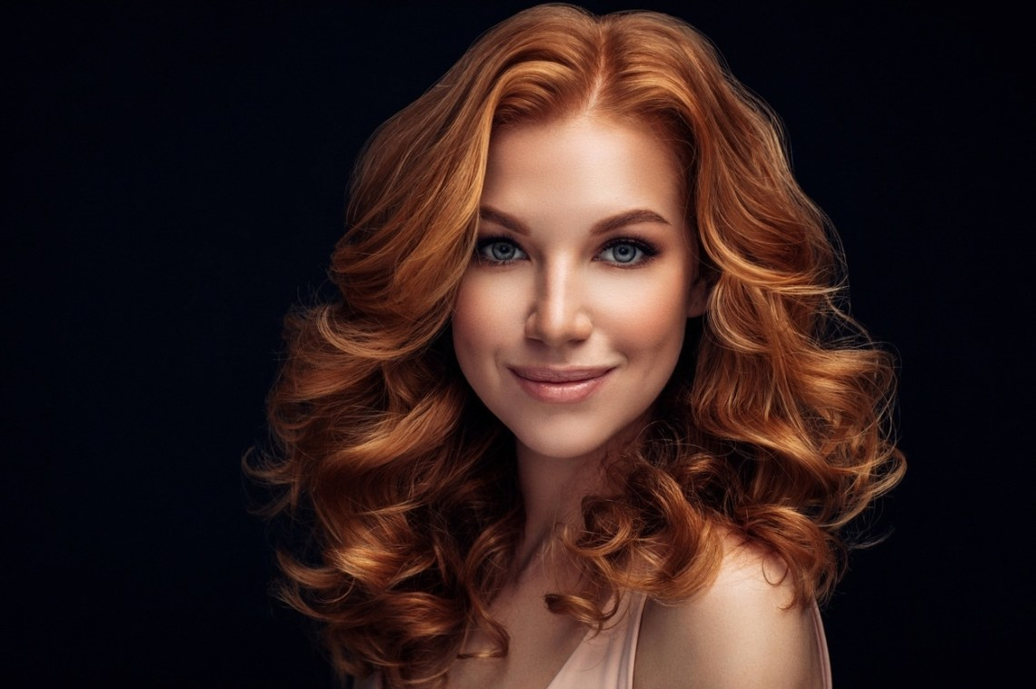 70S Hair: How To Do Feathered Hair With Hot Hair Rollers 40+ Stunning Hot Roller Hairstyles For Medium Hair