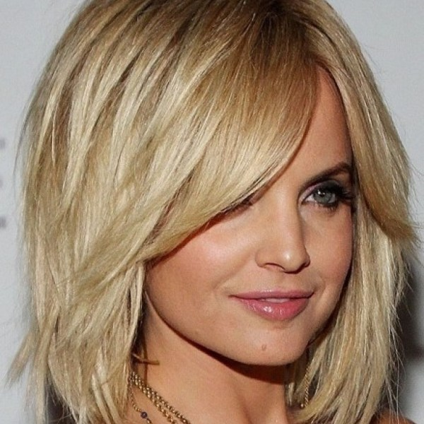 Medium Length Layered Bob With Bangs 54C5E4992088B (1024 30+ Cute Medium Length Bob Hairstyles 2016