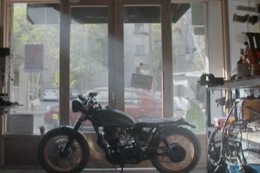 Beirut, Cafe Racers