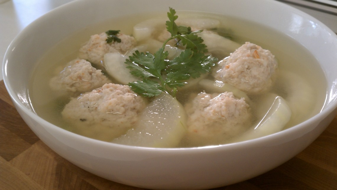 recipe for winter melon meatball soup glorious soup recipes. Black Bedroom Furniture Sets. Home Design Ideas