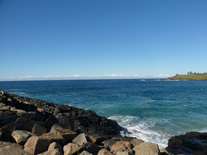 Kiama to Minnamura coastal walk, a beautiful walk to remember. Kiama is just a short train ride out of bustling busy Sydney!