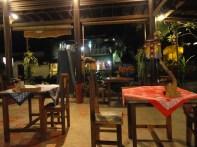 Un warung : petit resto local typique !