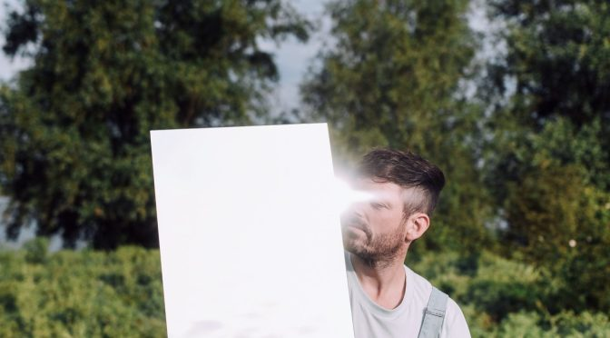 Hoogtediepte introduceert zich met verticale videoclip – 'Nieuw elke morgen'.