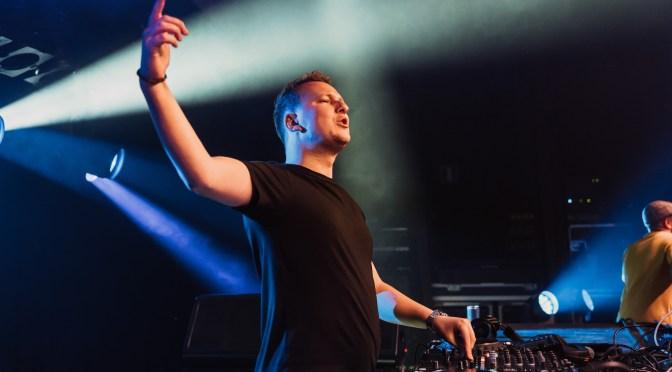 Reyer brengt remix van 'Waymaker' uit