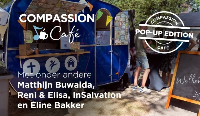 Matthijn Buwalda en InSalvation tijdens Compassion Cafe pop-up edition
