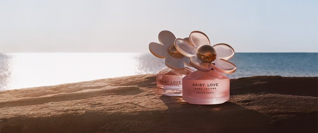 Topbox Canada Beauty Freebies Free Marc Jacobs Daisy Love Eau So Sweet EDP Perfume Fragrance Sample Vial - Glossense