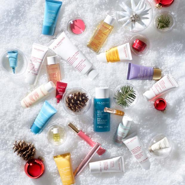 Clarins Canada 2022 Advent Calendar Canadian Holiday Countdown 24 Days Unboxing - Glossense