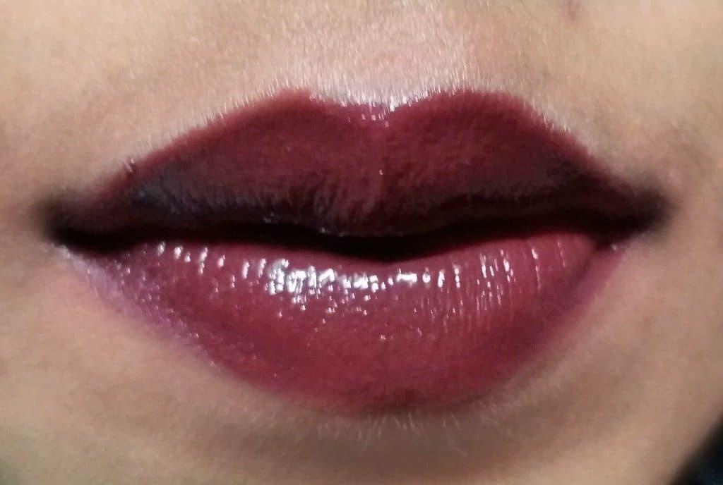 Revlon Moisture Stay Lipstick Mulberry Review 1