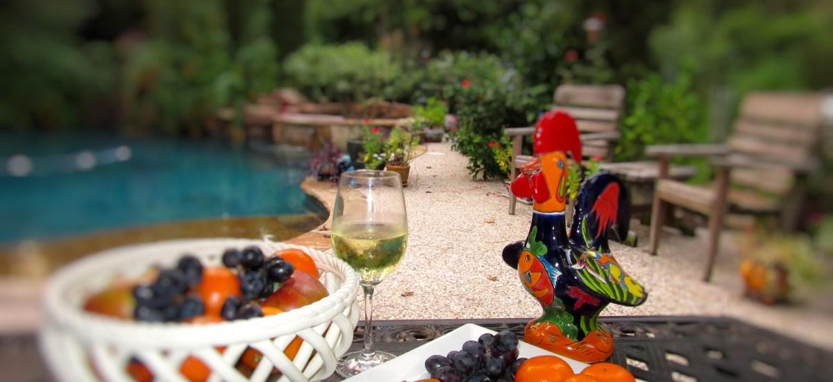 Simple Pleasures: Fruit by the Pool