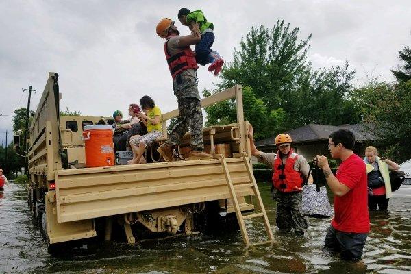 hurricane-harvey-rescue-1200x800-ts600