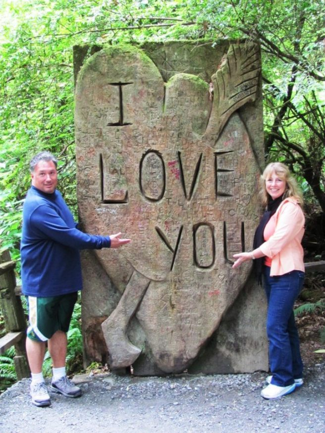 Tom and Kim and I Love You Sign