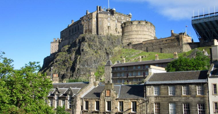 Edinburgh Farmers Market – Jazz and Memories in the Shadow of Edinburgh Castle