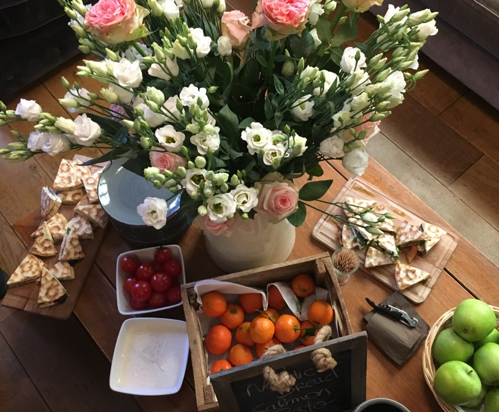 Nature's bright colors: crudités and flowers