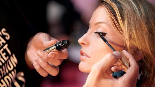 makeup-mistakes-2.jpg