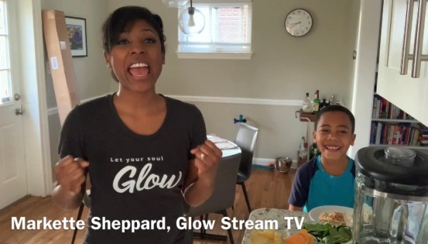 mom and son cooking show green smoothies