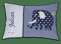 Namenskissen mit Elefant-Applikation in dunkelblau auf dunkelblauen Vichykaro und weichen Details