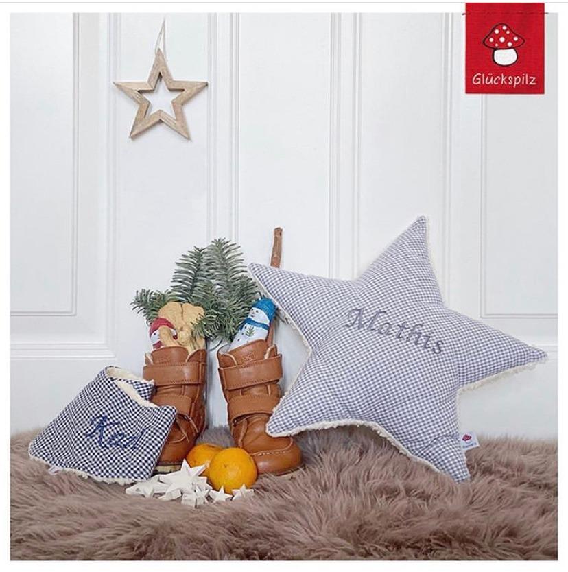 geputze Kinderschuhe für den Nikolaustag