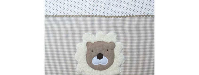 Schauen Sie Sich hier unsere große Auswahl an kuscheligen Babydecken mit verschiedenen Motiven an