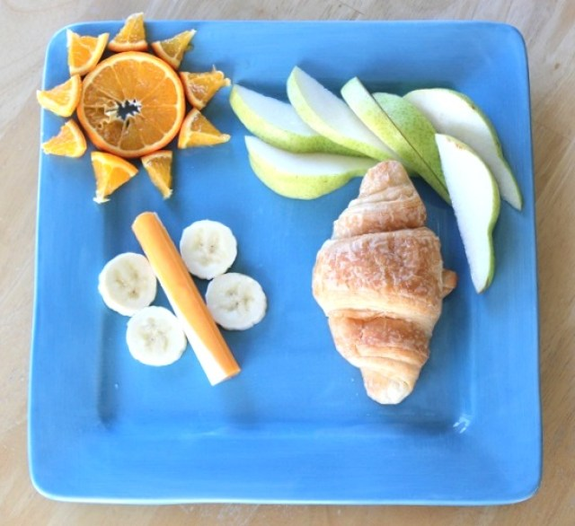 This lifecycle of a butterfly preschool lunch and craft idea are such a fun way to teach kids about the amazing transformation from caterpillar to chrysalis.