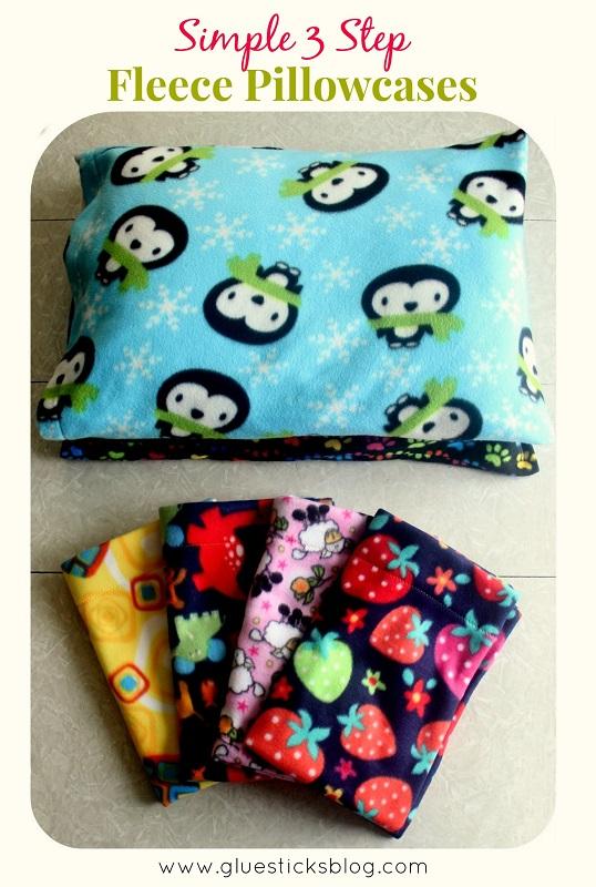 3 Step Fleece Pillowcases gluesticksblog.com