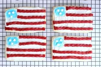 Flag Sugar Cookies: a fun activity for kids!