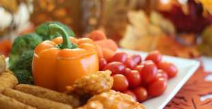Thanksgiving Appetizer Platter {Cool Dill Dip Recipe}