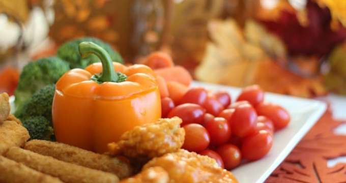 Thanksgiving Appetizer Platter {Cool Dill Dip Recipe}
