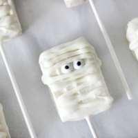 Mummy Rice Krispies Pops