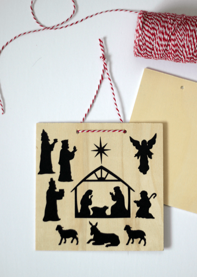 A quick 5-minute nativity craft for kids that they can hand on the wall. Simply peel and stick the repositional decals onto the pre-cut plaque!