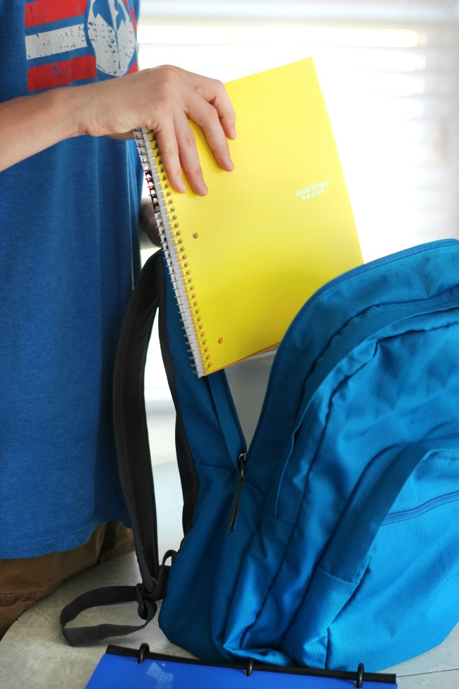 Adjusting to middle school can be a bit stressful! Here are some back-to-school tips and tricks to help teens adjust to switching classes and using a locker.